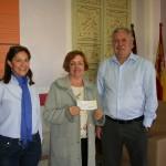 El Ayuntamiento entrega a la Asociación Española de Lucha Contra el Cáncer de Cehegín la subvención anual
